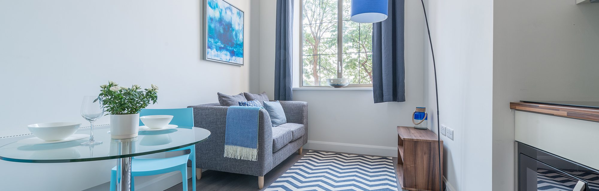 All you could need in one cosy home; discover our mezzanine studio apartments to rent in Leeds at CQ The Court
